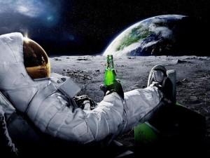 Astronaut Moon Cool Carlsberg Advertising 32x24 Print POSTER-J1912