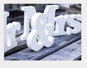 Y&Y Star Mr & Mrs Wooden Letters Wedding Decoration / Lovers Present - White