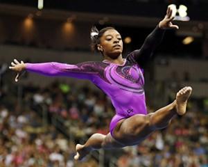 Simone Biles 2016 Womens Gymnastics / Rio 8 x 10 / 8x10 GLOSSY Photo IMAGE #2